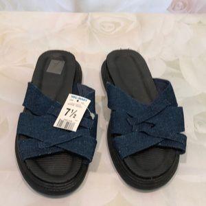 NWT No Boundaries blue denim sandal